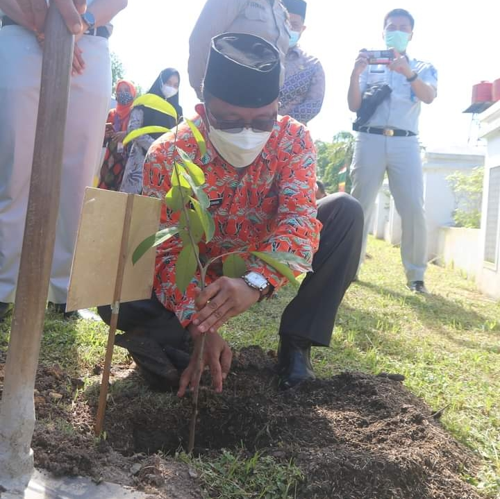 Hadiri Program Bina Lingkungan, Arfan