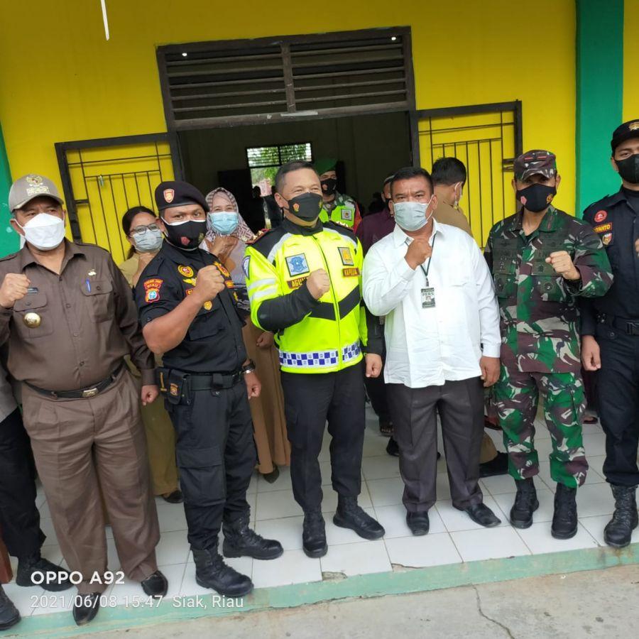 Senkom Kerinci Kanan Dampingi Kapolda Riau Tinjau Vaksinasi Massal