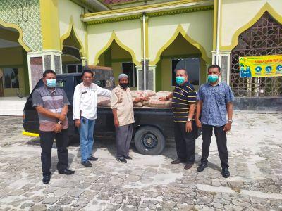 PT. Ivo Mas Serahkan Bantuan Material Rumah Ibadah